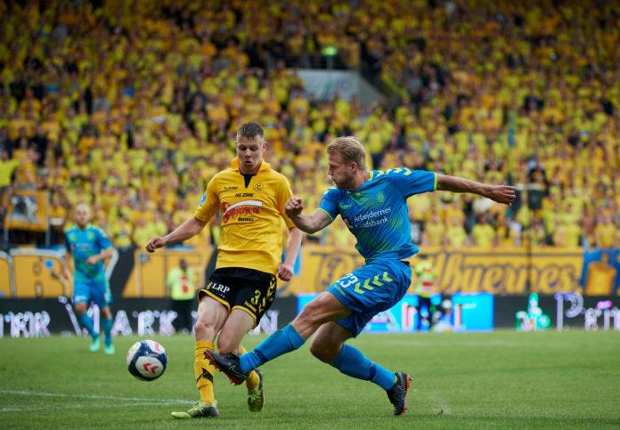 6111a20b AC Horsens har netop offentliggjort, at det tidligere Brøndby-talent Mads  Juel Andersen er blevet solgt til Barnsley for omkring syv millioner kr.