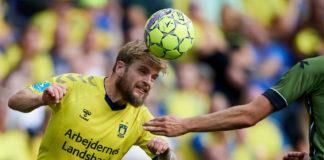 Kasper Fisker laver hovedstød for Brøndby