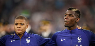Kylian Mbappé og Paul Pogba for Frankrig