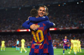Antoine Griezmann og Lionel Messi jubler