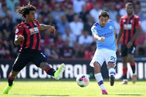 Nathan Aké mod Manchester City