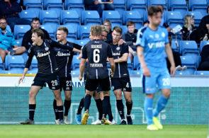 OB-spillere jubler mod Randers FC