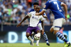 GELSENKIRCHEN, GERMANY - AUGUST 11: Weston McKennie of Schalke (R) challenges Gerson of Fiorentina (L) during the friendly match between FC Schalke 04 v AFC Fiorentina at Veltins Arena on August 11, 2018 in Gelsenkirchen, Germany. (Photo by Christof Koepsel/Getty Images)