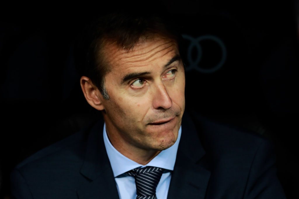 MADRID, SPAIN - AUGUST 11: Head coach Julen Lopetegui of Real Madrid CF looks on from the bench prior to start the Santiago Bernabeu Trophy between Real Madrid CF and AC Milan at Estadio Santiago Bernabeu on August 11, 2018 in Madrid, Spain. (Photo by Gonzalo Arroyo Moreno/Getty Images)