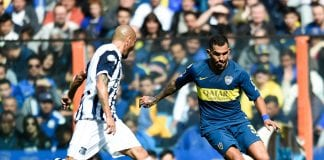 LA BOCA, ARGENTINA - AUGUST 12: Carlos Tevez of Boca Juniors drives the ball during a match between Boca Juniors and Talleres as part of Superliga Argentina 2018/19 at Estadio Alberto J. Armando on August 12, 2018 in La Boca, Argentina. (Photo by Marcelo Endelli/Getty Images)