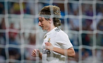 MADRID, SPAIN - AUGUST 11: Luka Modric of Real Madrid CF reacts during the Santiago Bernabeu Trophy between Real Madrid CF and AC Milan at Estadio Santiago Bernabeu on August 11, 2018 in Madrid, Spain. (Photo by Gonzalo Arroyo Moreno/Getty Images)
