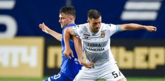 KHIMKI, RUSSIA - AUGUST 20: Fiodor Cernych (L) of FC Dinamo Moscow is challenged by Bojan Jokic of FC Ufa during the Russian Premier League match between FC Dinamo Moscow and FC Ufa at the Arena Khimki Stadium on August 20, 2018 in Khimki, Russia. (Photo by Epsilon/Getty Images)