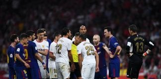 BARCELONA, SPAIN - APRIL 21: FC Barcelona and Sevilla FC players argue during the Spanish Copa del Rey Final match between Barcelona and Sevilla at Wanda Metropolitano stadium on April 21, 2018 in Barcelona, Spain. (Photo by David Ramos/Getty Images)