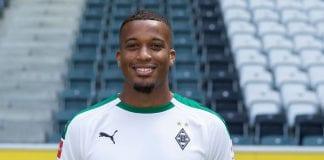 Why did Alassane Plea choose Borussia Monchengladbach?