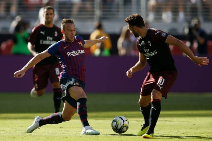 outlet store 764eb 39658 Arthur Melo thrilled with Messi's praise - Ronaldo.com