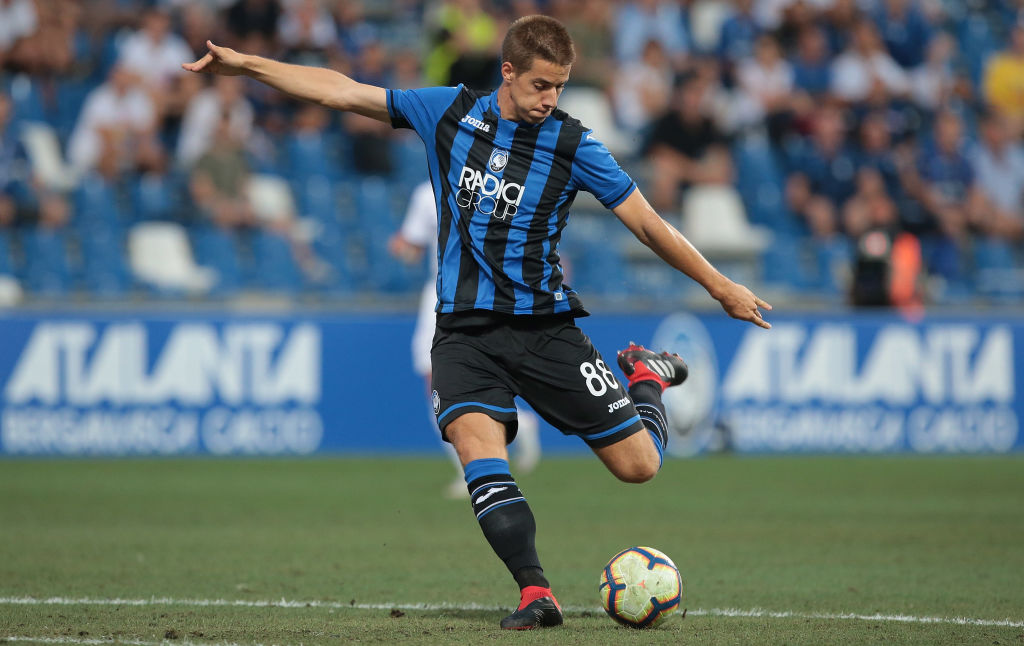 REGGIO NELL'EMILIA, ITALY - AUGUST 23: Mario Pasalic of Atalanta BC kicks the ball during the UEFA Europa League Play-Off first leg match between Atalanta BC and FC Copenhagen at Mapei Stadium - Citta' del Tricolore on August 23, 2018 in Reggio nell'Emilia, Italy. (Photo by Emilio Andreoli/Getty Images)