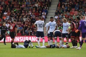 BOURNEMOUTH, ENGLAND - AUGUST 25: Idrissa Gueye and Michael Keane of Everton lie injured after a clash of heads during the Premier League match between AFC Bournemouth and Everton FC at Vitality Stadium on August 25, 2018 in Bournemouth, United Kingdom. (Photo by Mike Hewitt/Getty Images)