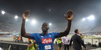 NAPLES, ITALY - AUGUST 25: Kalidou Koulibaly player of SSC Napoli celebrates the victory after the serie A match between SSC Napoli and AC Milan at Stadio San Paolo on August 25, 2018 in Naples, Italy. (Photo by Francesco Pecoraro/Getty Images)