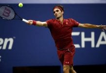 NEW YORK, NY - SEPTEMBER 03: Roger Federer of Switzerland returns the ball during the men's singles fourth round match against John Milman of Australia on Day Eight of the 2018 US Open at the USTA Billie Jean King National Tennis Center on September 3, 2018 in the Flushing neighborhood of the Queens borough of New York City. (Photo by Julian Finney/Getty Images)