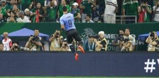 Luis Suarez rabona assist