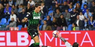 FERRARA, ITALY - SEPTEMBER 27: Alessandro Matri of Sassuolo competes for the ball with Alfred Gomis of Spal during the serie A match between SPAL and US Sassuolo at Stadio Paolo Mazza on September 27, 2018 in Ferrara, Italy. (Photo by Alessandro Sabattini/Getty Images)