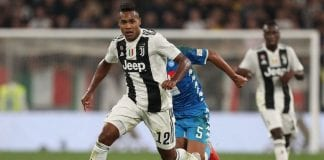 TURIN, ITALY - SEPTEMBER 29: Alex Sandro of Juventus in action during the Srie A match between Juventus and SSC Napoli at Allianz Stadium on September 29, 2018 in Turin, Italy. (Photo by Gabriele Maltinti/Getty Images )