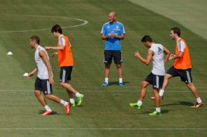 MADRID, SPAIN - JULY 16: Zinedine Zidane of Real Madrid watches Real Madrid players Karim Benzema (L), Kaka (2ndL), Mesut Ozil (2ndR) and Gonzalo Higuain (R) during a training session at the Valdebebas training ground on July 16, 2013 in Madrid, Spain. (Photo by Gonzalo Arroyo Moreno/Getty Images)
