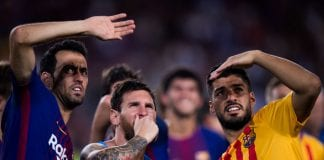 BARCELONA, SPAIN - AUGUST 07: (L-R) Sergio Busquets, Lionel Messi and Luis Suarez of FC Barcelona look to the stands after the Joan Gamper Trophy match between FC Barcelona and Chapecoense at Camp Nou stadium on August 7, 2017 in Barcelona, Spain. (Photo by Alex Caparros/Getty Images)