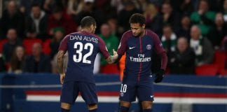 PARIS, FRANCE - NOVEMBER 22: Neymar (R) of PSG celebrates scoring his team's first goal with Dani Alves during the UEFA Champions League group B match between Paris Saint-Germain and Celtic FC at Parc des Princes on November 22, 2017 in Paris, France. (Photo by Catherine Ivill/Getty Images)