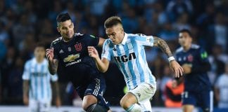 BUENOS AIRES, ARGENTINA - MAY 03: Lautaro Martinez of Racing Club drives the ball during a group stage match between Racing Club and Universidad de Chile as part of Copa CONMEBOL Libertadores 2018 at Presidente Peron Stadium on May 3, 2018 in Buenos Aires, Argentina. (Photo by Marcelo Endelli/Getty Images)