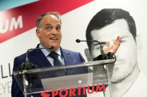 MADRID, SPAIN - MAY 30: Javier Tebas attends the presentation of Iker Casillas as Sportium Ambassador for FIFA World Cup 2018 on May 30, 2018 in Madrid, Spain. (Photo by Carlos Alvarez/Getty Images)