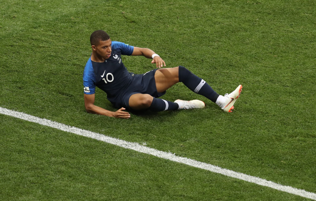 1738274a6ebac Mbappé and Pogba showoff their exclusive football boots - Ronaldo.com
