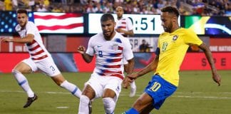 EAST RUTHERFORD, NJ - SEPTEMBER 07: DeAndre Yedlin #2 of USA defends Neymar #10 of Brazil during their friendly match at MetLife Stadium on September 7, 2018 in East Rutherford, New Jersey. (Photo by Jeff Zelevansky/Getty Images)