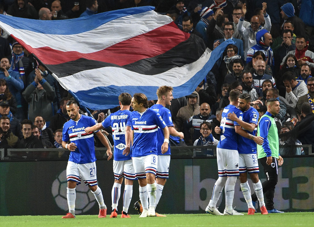 GENOA, GE - OCTOBER 01: Sampdoria's players celebrates after score 2-1 Gregoire Defrel during the Serie A match between UC Sampdoria and SPAL at Stadio Luigi Ferraris on October 1, 2018 in Genoa, Italy. (Photo by Paolo Rattini/Getty Images)