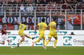 MILAN, ITALY - OCTOBER 07: Sergio Pellissier of Chievo Veron #31 scores his goal during the Serie A match between AC Milan and Chievo Verona at Stadio Giuseppe Meazza on October 7, 2018 in Milan, Italy. (Photo by Marco Luzzani/Getty Images)
