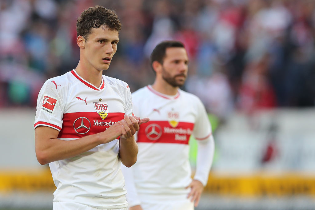 STUTTGART, GERMANY - SEPTEMBER 29: Benjamin Pavard of Stuttgart thanks to the fans after the Bundesliga match between VfB Stuttgart and SV Werder Bremen at Mercedes-Benz Arena on September 29, 2018 in Stuttgart, Germany. (Photo by Christian Kaspar-Bartke/Bongarts/Getty Images)