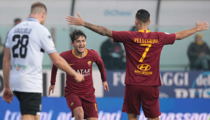 PARMA, ITALY - DECEMBER 29: Cengiz Under of AS Roma celebrates his goal with his team-mate Lorenzo Pellegrini during the Serie A match between Parma Calcio and AS Roma at Stadio Ennio Tardini on December 29, 2018 in Parma, Italy. (Photo by Emilio Andreoli/Getty Images)