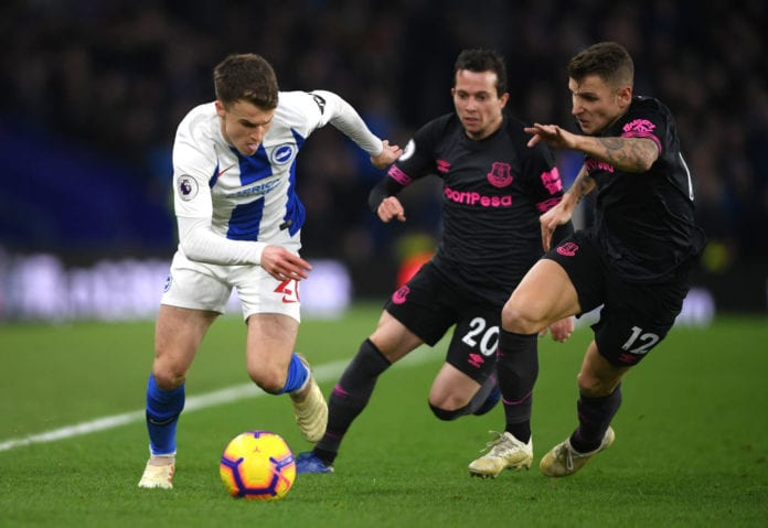 BRIGHTON, ENGLAND - DECEMBER 29: Solomon March of Brighton and Hove Albion goes past Lucas Digne and Bernard of Everton during the Premier League match between Brighton & Hove Albion and Everton FC at American Express Community Stadium on December 29, 2018 in Brighton, United Kingdom. (Photo by Mike Hewitt/Getty Images)