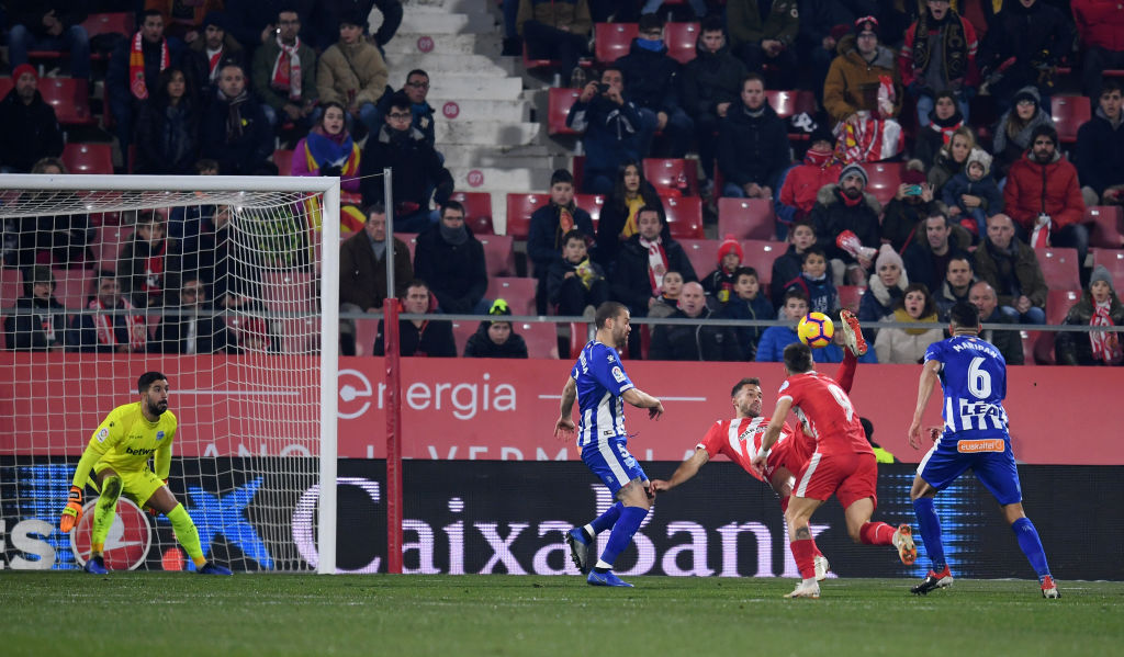 GIRONA, SPAIN - JANUARY 12: Cristhian Stuani of Girona scores his team's first goal during the La Liga match between Girona FC and Deportivo Alaves at Montilivi Stadium on January 12, 2019 in Girona, Spain. (Photo by David Ramos/Getty Images)