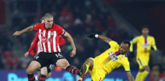 SOUTHAMPTON, ENGLAND - JANUARY 30: Jordan Ayew of Crystal Palace battles for possession with Oriol Romeu of Southampton during the Premier League match between Southampton FC and Crystal Palace at St Mary's Stadium on January 30, 2019 in Southampton, United Kingdom. (Photo by Dan Istitene/Getty Images)