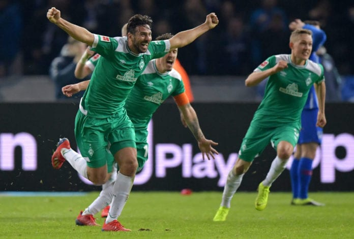 BERLIN, GERMANY - FEBRUARY 16: Claudio Pizarro of Werder Bremen celebrates after scoring his team's first goal during the Bundesliga match between Hertha BSC and SV Werder Bremen at Olympiastadion on February 16, 2019 in Berlin, Germany. (Photo by Stuart Franklin/Bongarts/Getty Images)