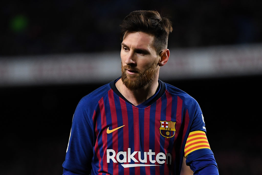 BARCELONA, SPAIN - JANUARY 30: Lionel Messi of FC Barcelona looks on during the Copa del Quarter Final match between FC Barcelona and Sevilla FC at Nou Camp on January 30, 2019 in Barcelona, Spain. (Photo by David Ramos/Getty Images)