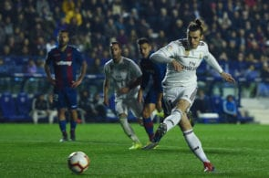 VALENCIA, SPAIN - FEBRUARY 24: Gareth Bale of Real Madrid CF scores his team's second goal from the penalty spot during the La Liga match between Levante UD and Real Madrid CF at Ciutat de Valencia on February 24, 2019 in Valencia, Spain. (Photo by Alex Caparros/Getty Images)