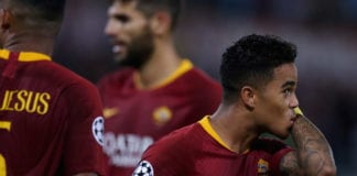 ROME, ITALY - OCTOBER 02: Justin Kluivert of AS Roma celebrates after scoring the team's fourth goal during the Group G match of the UEFA Champions League between AS Roma and Viktoria Plzen at Stadio Olimpico on October 2, 2018 in Rome, Italy. (Photo by Paolo Bruno/Getty Images)