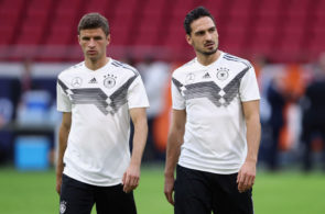 AMSTERDAM, NETHERLANDS - OCTOBER 12: Thomas Mueller and Mats Hummels reacts during a Germany traininkg session at Johan Cruyff Arena on October 12, 2018 in Amsterdam, Netherlands. (Photo by Alex Grimm/Bongarts/Getty Images)