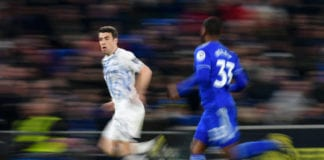 CARDIFF, WALES - FEBRUARY 26: Seamus Coleman of Everton is chased by Junior Hoilett of Cardiff City during the Premier League match between Cardiff City and Everton FC at Cardiff City Stadium on February 26, 2019 in Cardiff, United Kingdom. (Photo by Dan Mullan/Getty Images)
