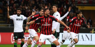 MILAN, ITALY - MARCH 02: Mateo Musacchio #22 of AC Milan celebrates after scoring the opening goal during the Serie A match between AC Milan and US Sassuolo at Stadio Giuseppe Meazza on March 2, 2019 in Milan, Italy. (Photo by Marco Luzzani/Getty Images)