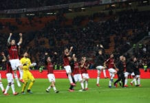 MILAN, ITALY - MARCH 02: The players of the AC Milan celebrate a victory at the end of the Serie A match between AC Milan and US Sassuolo at Stadio Giuseppe Meazza on March 2, 2019 in Milan, Italy. (Photo by Marco Luzzani/Getty Images)