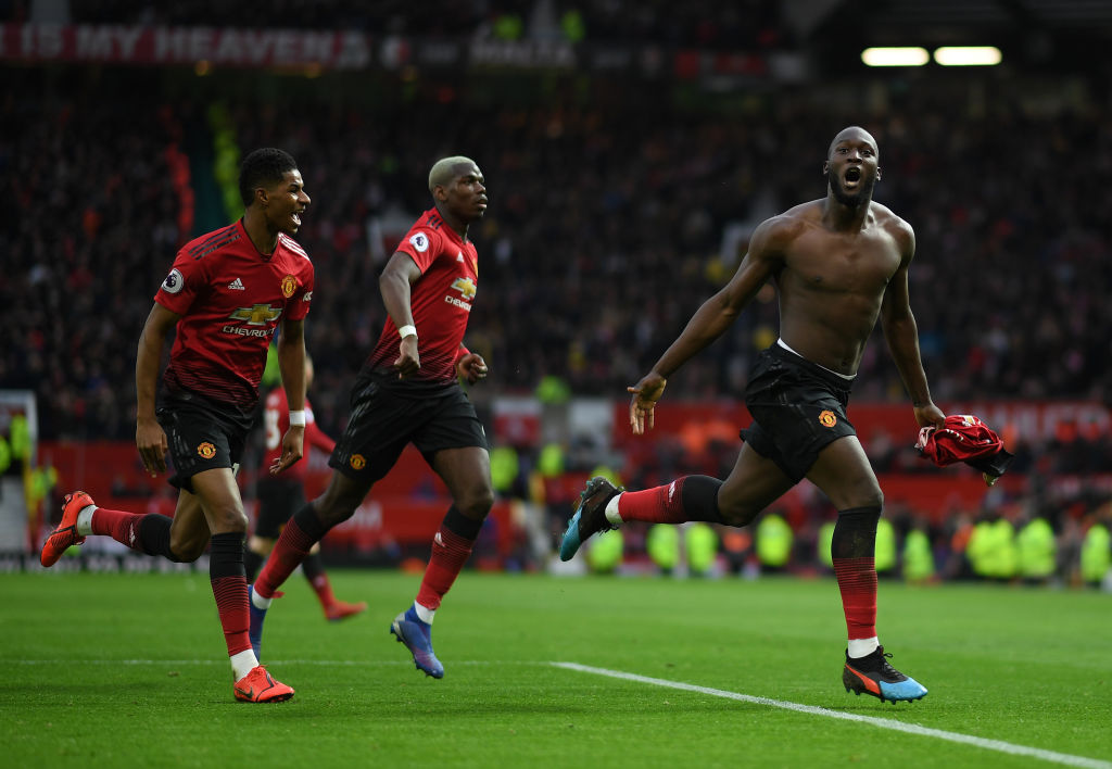 MANCHESTER, ENGLAND - MARCH 02: Romelu Lukaku of Manchester United celebrates after scoring the winning goal during the Premier League match between Manchester United and Southampton FC at Old Trafford on March 02, 2019 in Manchester, United Kingdom. (Photo by Shaun Botterill/Getty Images)