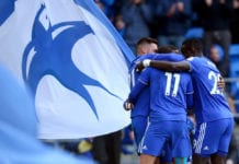 CARDIFF, WALES - MARCH 09: Junior Hoilett of Cardiff City celebrates after scoring his team's first goal with his team mates during the Premier League match between Cardiff City and West Ham United at Cardiff City Stadium on March 09, 2019 in Cardiff, United Kingdom. (Photo by Charlie Crowhurst/Getty Images)