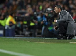 BARCELONA, SPAIN - MARCH 13: Ernesto Valverde Manager of Barcelona reacts during the UEFA Champions League Round of 16 Second Leg match between FC Barcelona and Olympique Lyonnais at Nou Camp on March 13, 2019 in Barcelona, . (Photo by Maja Hitij/Getty Images)