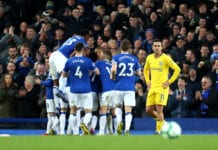 LIVERPOOL, ENGLAND - MARCH 17: Gylfi Sigurdsson of Everton celebrates after scoring his sides second goal with team mates during the Premier League match between Everton FC and Chelsea FC at Goodison Park on March 17, 2019 in Liverpool, United Kingdom. (Photo by Catherine Ivill/Getty Images)
