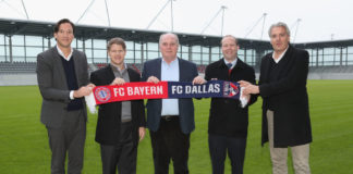 MUNICH, GERMANY - FEBRUARY 10: FC Bayern Muenchen president Uli Hoeness (C), managing director of FC Bayern Munich LLC Rudolf Vidal (L), FC Bayern Muenchen merchandising manager Joerg Wacker (R) and owners of MSL club FC Dallas Clark Hunt (2ndL) and Dan Hunt (2ndR) pose during a visit at FCB Campus on February 10, 2018 in Munich, Germany. (Photo by Alexandra Beier/Bongarts/Getty Images)