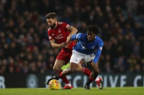 GLASGOW, SCOTLAND - DECEMBER 05: Graeme Shinnie of Aberdeen vies with Ovie Ejaria of Rangers during the Scottish Ladbrokes Premiership match between Rangers and Aberdeen at Ibrox Stadium on December 5, 2018 in Glasgow, Scotland. (Photo by Ian MacNicol/Getty Images)