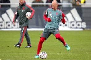 MUNICH, GERMANY - JANUARY 28: Arjen Robben battles for the ball during a FC Bayern Muenchen training session at Saebener Strasse training ground on January 28, 2019 in Munich, Germany. (Photo by Alexander Hassenstein/Bongarts/Getty Images)